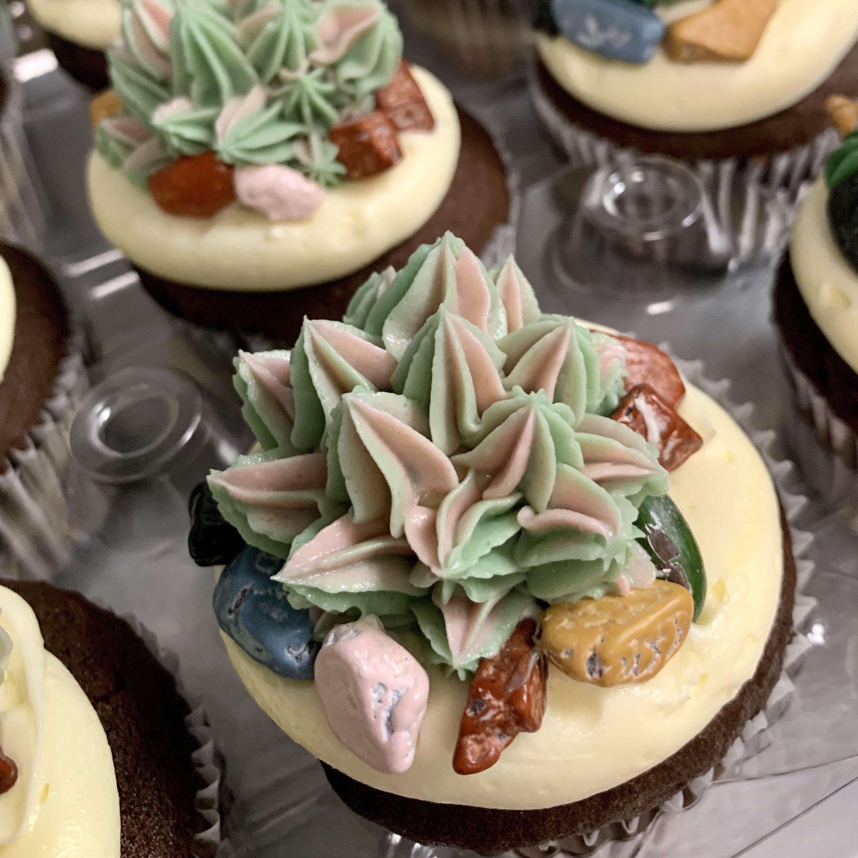 http://delicatelydelicious.com/wp-content/uploads/2019/05/Pink-Succulents-2-e1558370978436.jpg